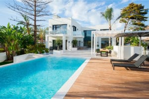 Spectacular villa just 50 meters from the beach. | Marbesa 408